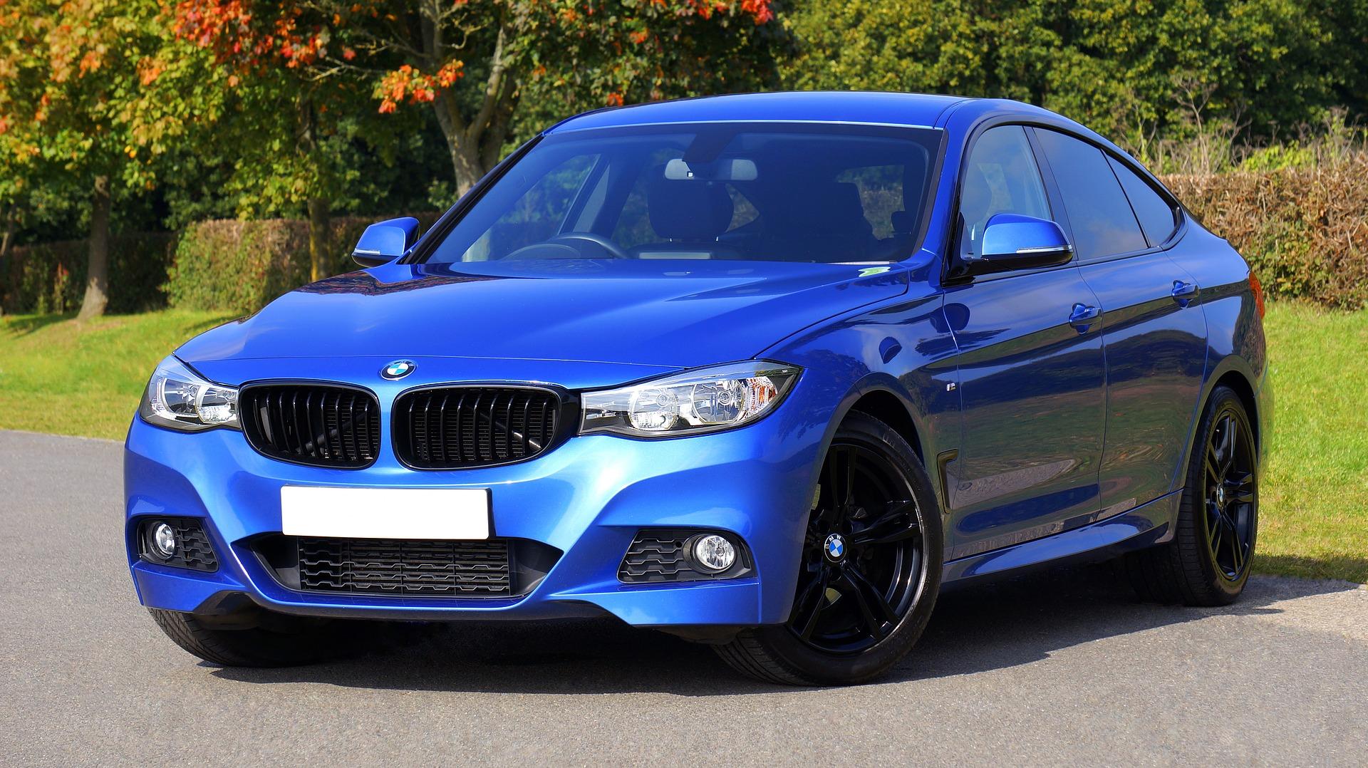 Een professionele raceauto-rijsimulator voor BMW